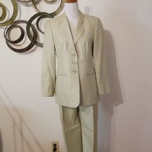 Escada Sage Green Pant Suit 34 2-4